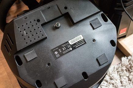 Thrustmaster T500 RS mit ausgerissener Schraube